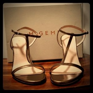 M. Gemi gold sandals, size 5.5